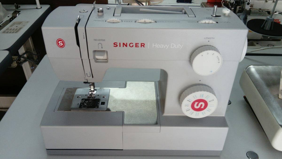 Maquina De Coser Singer Modelo 4423 - U$S 320,00 en