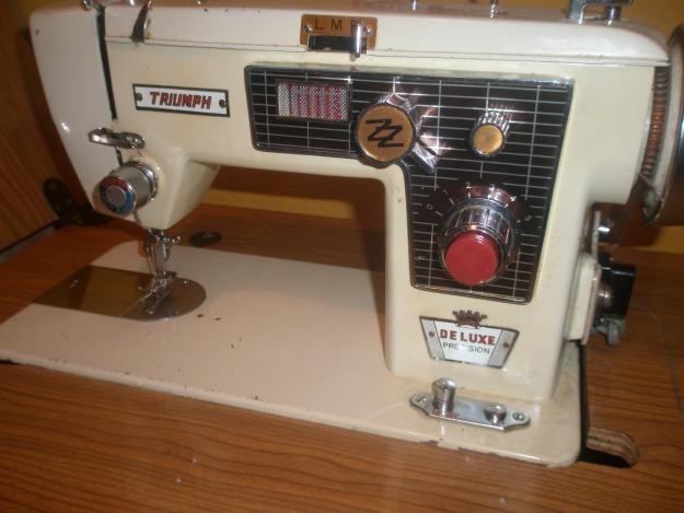 Maquina de coser triumph perfecto estado sin mueble for Como echar gotele sin maquina