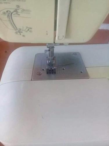 maquina de coser yamata