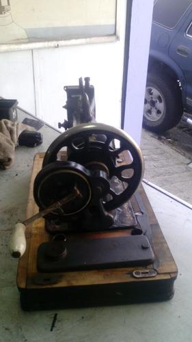 máquina de costura antiga vesta para restauro
