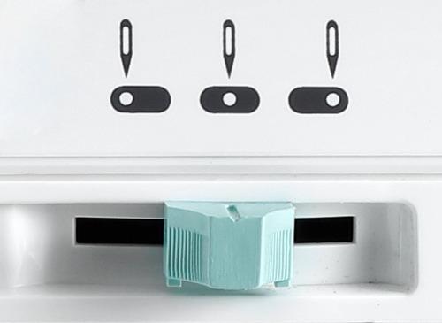 máquina de costura facilita pro 2968 base plana singer 127v