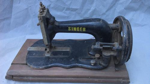 maquina de costura manual singer / no estado q se encontra..