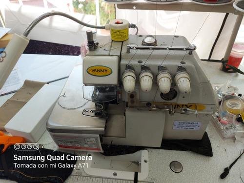 máquina de costura over