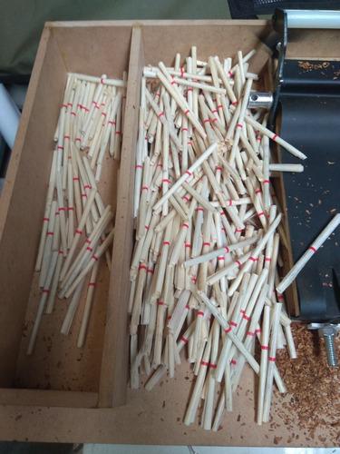 maquina de enrolar cigarro de palha.
