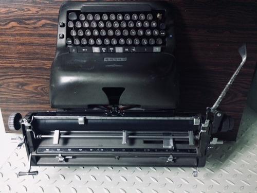 maquina de escribir adler antigua