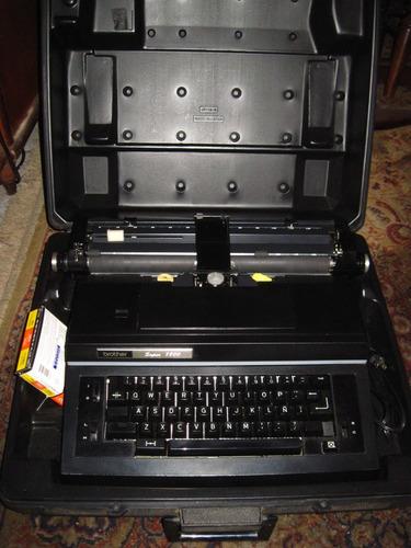 máquina de escribir brother super 7800 con maletin