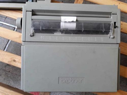 máquina de escribir electrónica brother