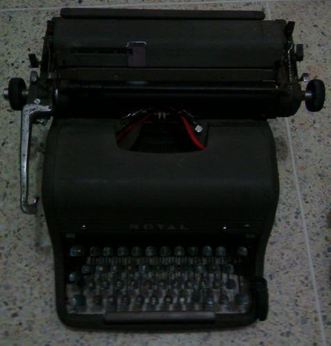 maquina de escribir marca royal. antigua de coleccion
