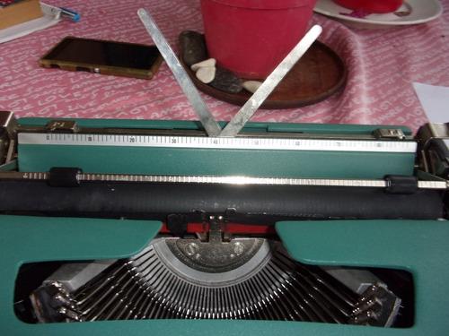 maquina de escribir olivetti lettera 32