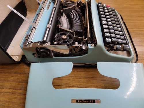 maquina de escribir portatil olivetti