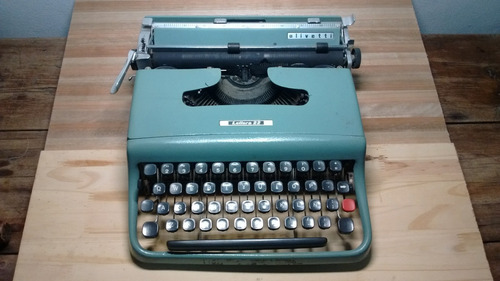 máquina de escribir portátil olivetti letera 22