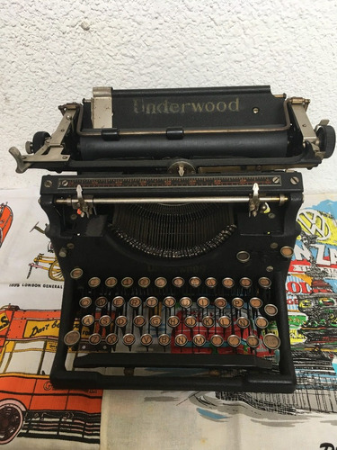 maquina de escribir underwood antigua