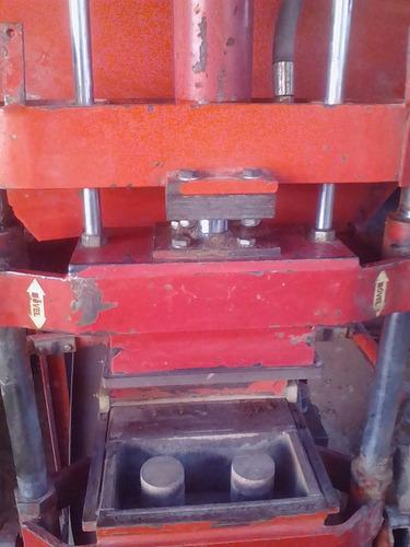 maquina de fabricar tijolo ecológico (solo-cimento)