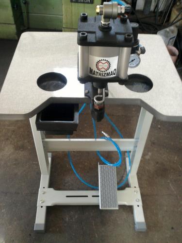 máquina de furar e colocar ilhós matrizmaq