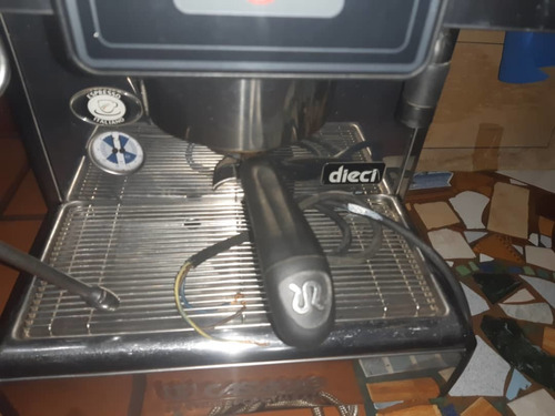máquina de hacer café marca casadio 2 meses de uso