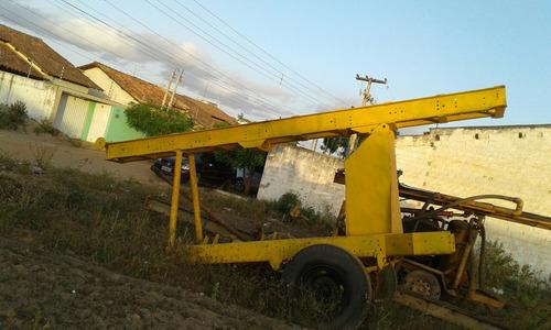 maquina de perfuracão de  poço artesiano