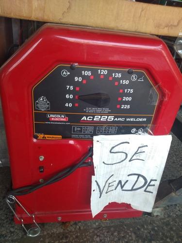 máquina de soldar marca lincoln ac 225