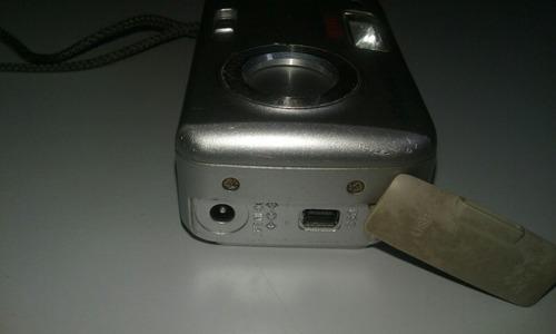 maquina digital olimpus antiga