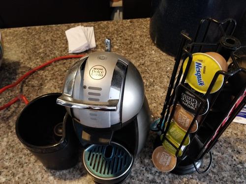 maquina dolce gusto genio 2 con base para pods