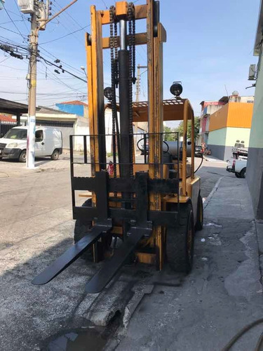máquina empilhadeira 4 toneladas