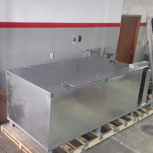 maquina fabricadora de hielo en barras de 25 kilos cada uno.