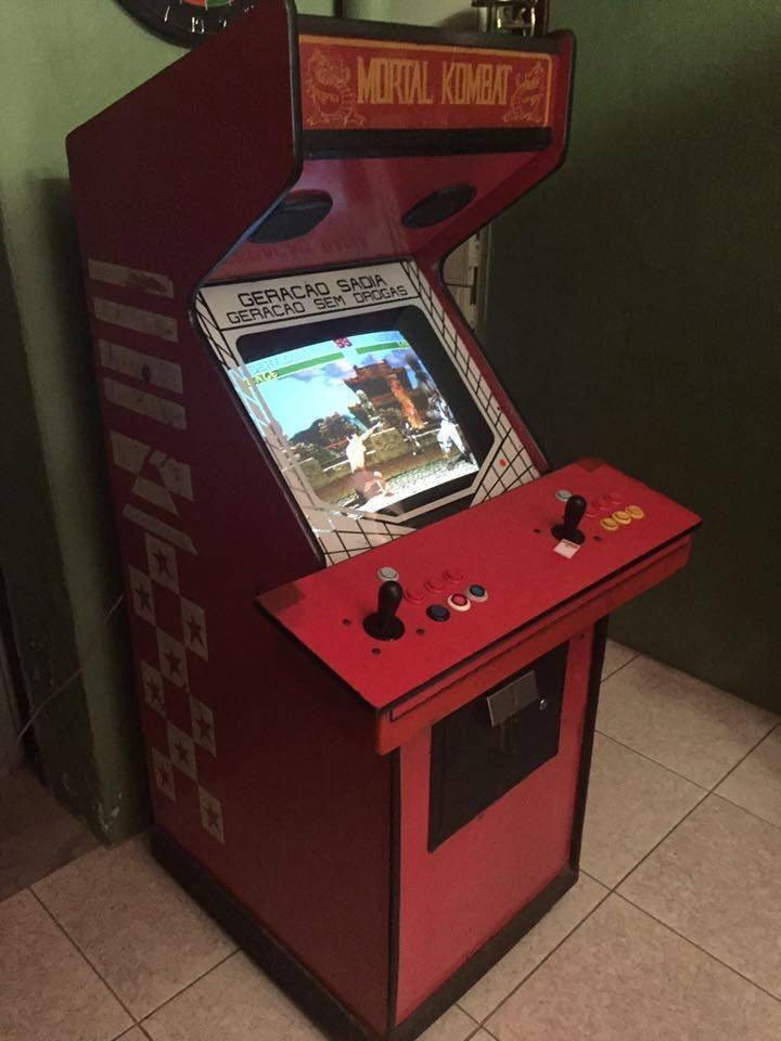 dc157a1af Máquina Fliperama Arcade Mortal Kombat Anos 90 - R$ 3.480,00 em ...