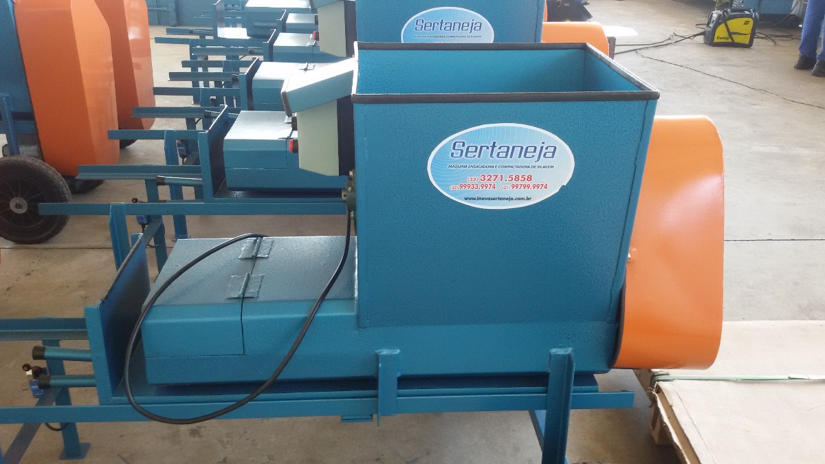 Maquina Para Silagem - Compacta E Ensaca - R  5.500 261dc972afc