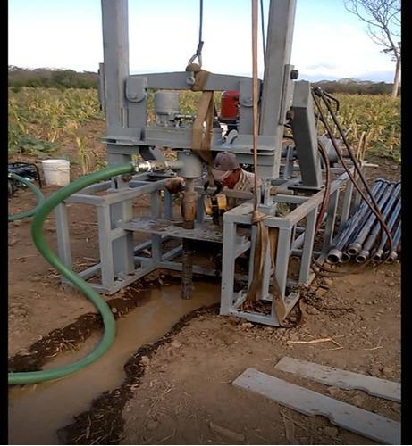 maquina perforadora de pozos, para agua.