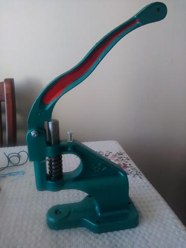 maquina remachadora ojetilladora + 100 ojetillos 45000