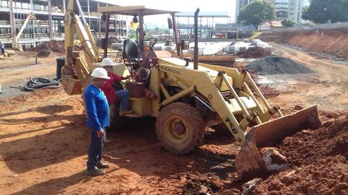 maquinaria de construção retroescavadeiras