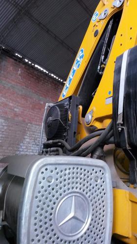 maquinaria pesada, camion grúa con brazo hidraulico_alquiler