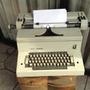 Excelente Maquina De Escribir Vintage Año 90 Olivetti Electr