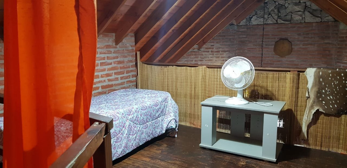 mar azul- venta confortable casa de 4 ambientes en barrio tranquilo, listo para mudarse...!