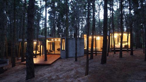 mar y bosque, casa de diseño en la costa
