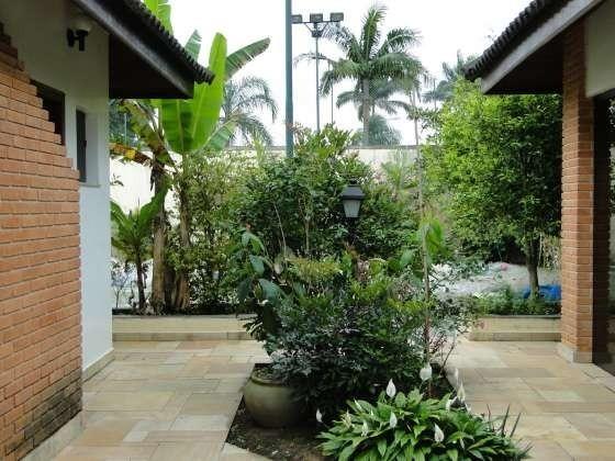 maravilhosa casa em peruíbe 800m  com lazer 6 vagas 4 dorms