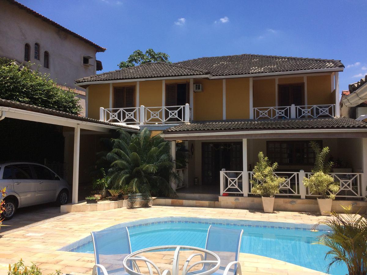 maravilhosa casa em valorizado condomínio na freguesia