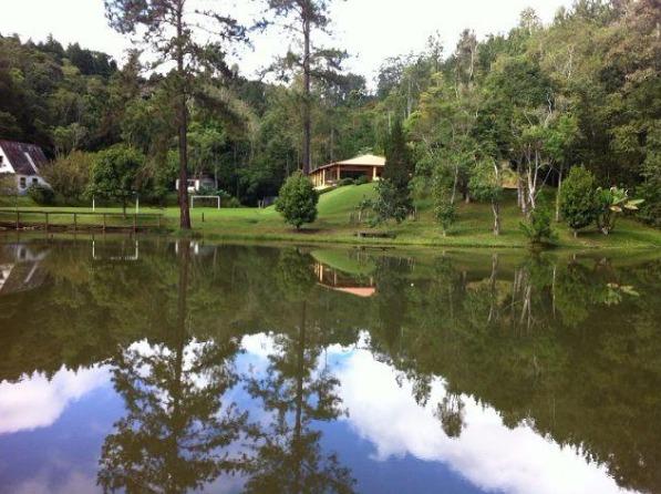 maravilhosa chácara com lago piscina bem localizada