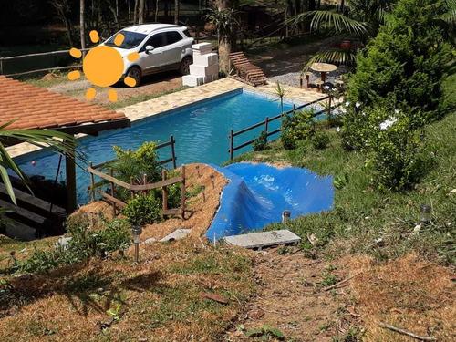 maravilhosa chácara , piscina + área gourmet completa!!!