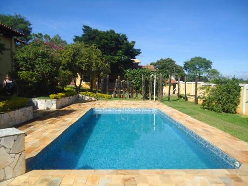 maravilhosa condominio 2.500 m sede, piscina, s. festa etc..