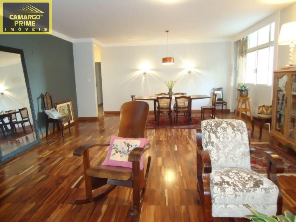 maravilhoso apartamento, impecável, reformado, com 184,00 m² - eb80090