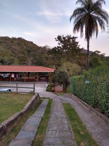 maravilhoso sitio 2700m² casa com 3 quartos, pomar, área gourmet - gentileza - ch0002