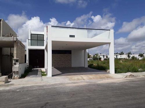 maravillosa casa en la privada avenida conkal modelo 56