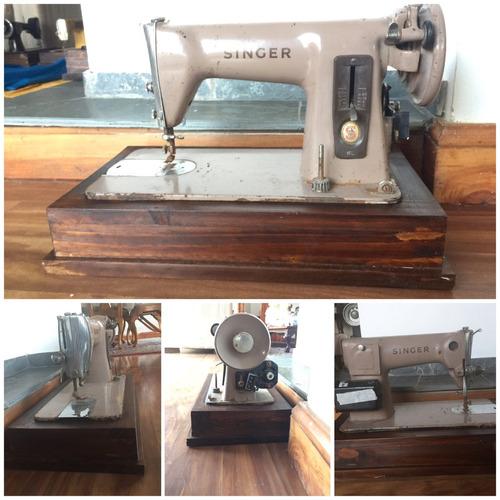 maravillosas máquinas de coser antiguas con bases de madera
