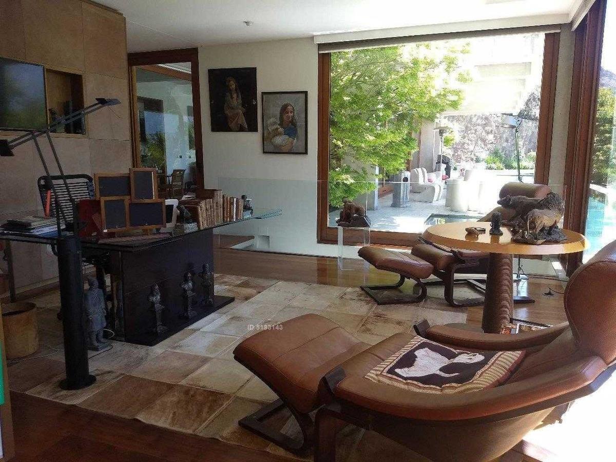 maravilloso depto primer piso con jardin / lo curro