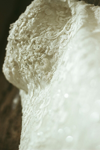 maravilloso vestido de novia importado con pedrería fina