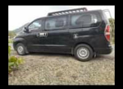 marca hyundan  color negro carro de segunda