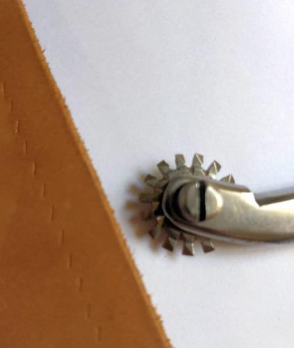 marcador de puntadas rueda intercambiable talabarteria cuero