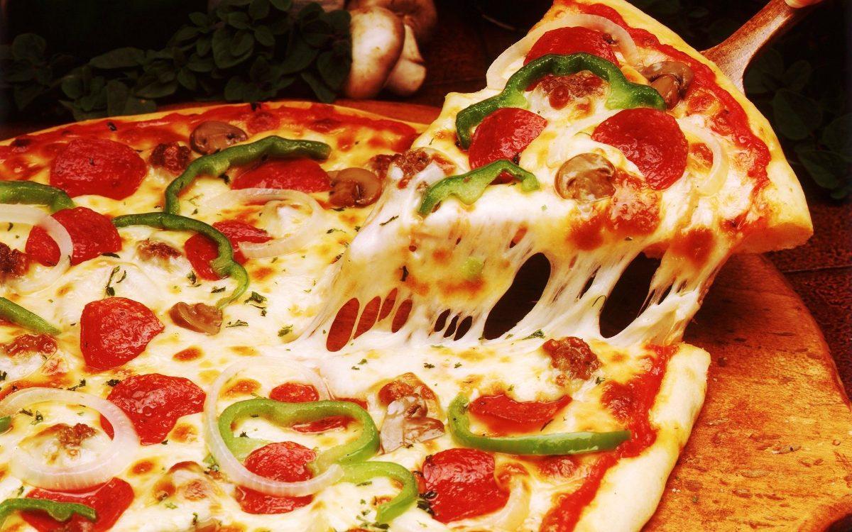 Resultado de imagem para pizza fatia