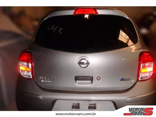march nissan sucata 2012/2013