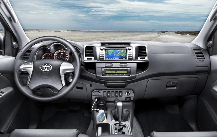 Marco Adaptador Stereo Toyota Hilux Srv Doble Din 2012 2015 - $ 780 ...
